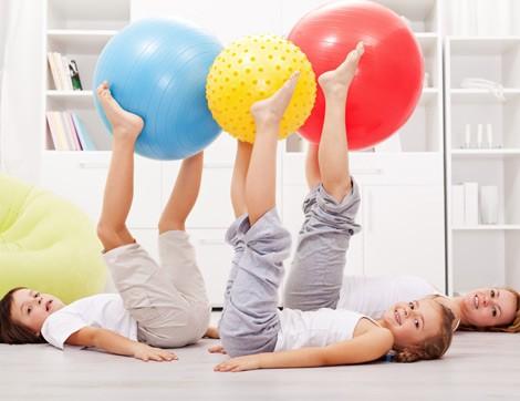 Pilates Topu İle Sırt ve Karın Kası Hareketleri