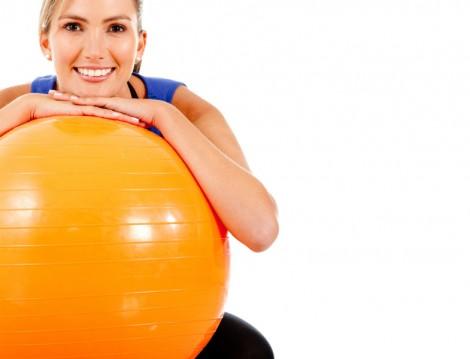 Pilates Topu ile Sırt ve Karın Kası Hareketleri