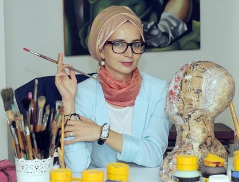 Ressam Fatma Zeynep Çilek