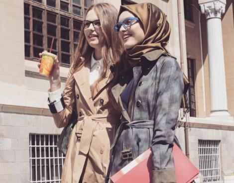 Tesettür Giyim Modellerinde Pratik Şıklık