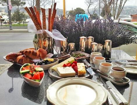 Dolce Cafe; Boğaz Hattının En Şık Adresi