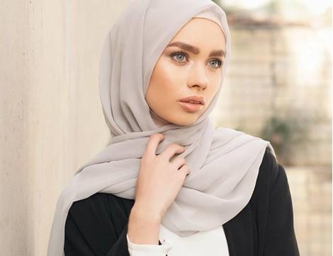 Kıyafet Rengi Seçiminde 4 Önemli Kural
