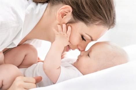 Bebekler En Kolay Nasıl Emzirilir