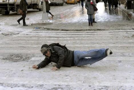 Karlı Yolda Yürürken Dikkat Edilmesi Gerekenler