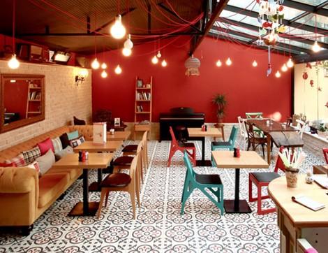 Seratonin Cafe, Mutluluk Dağıtıyor