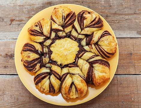 Sürme Çikolatalı Çiçek Ekmek Nasıl Yapılır?