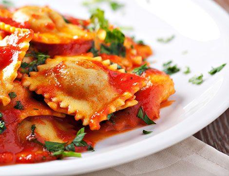 Domates Soslu Peynirli Ravioli Nasıl Yapılır?