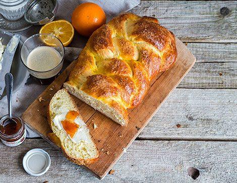 Pastanelerin Meşhur Paskalya Çöreğini Evde Yapın!