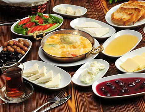 2016'nın 5. İftar Menüsü ve Sahur İçin Sebzeli Omlet Tarifi