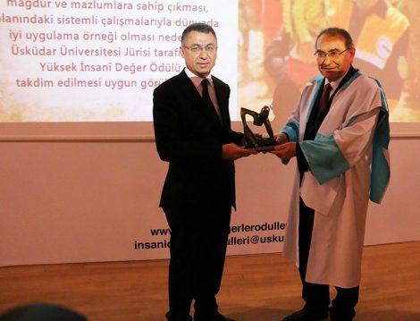 Yüksek İnsani Değerler Ödülleri (AFAD Başkanı Dr. Fuat Oktay)