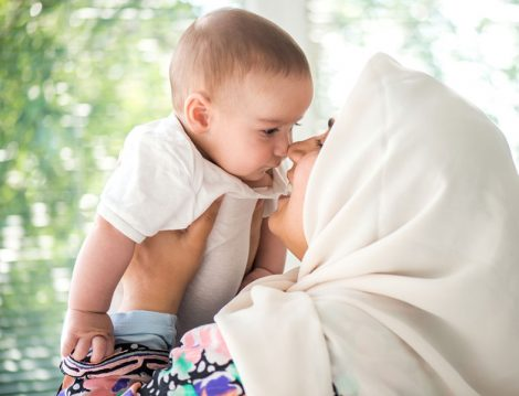 Anne Bebeğini 2 Yaşına Kadar Emzirmek Zorunda mı