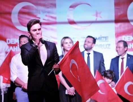 Demokrasiye Destek Veren Ünlüler ve Sanatçılar Mustafa Ceceli