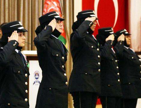 Kadın Polislerin Başörtüsü Kullanması Artık Serbest!