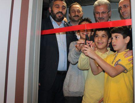 """""""Okullara Mescit"""" Projesi Hayata Geçmeye Başladı"""