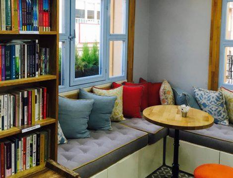 Çengelköy'ün En Yeni Kitap Kafesi Babil Mekan