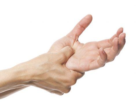 Parmaklarımızda Hissettiğimiz Uyuşukluk veya Karıncalanmanın 9 Sebebi