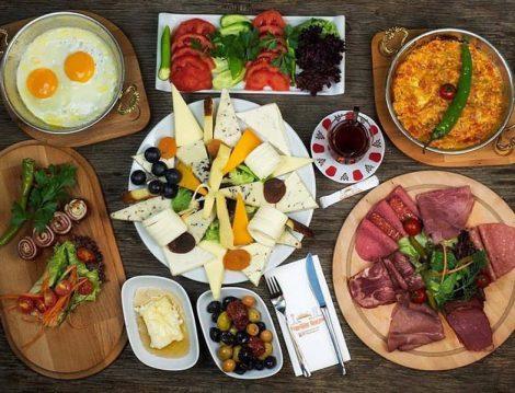 Pazar Kahvaltılarının Öne Çıkan Mekanları