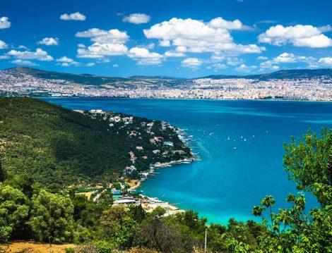 Masmavi Deniziyle Türkiye'nin En Güzel Adalarından Biri Büyükada