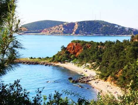 Masmavi Deniziyle Türkiye'nin En Güzel Adalarından Biri Burgazada