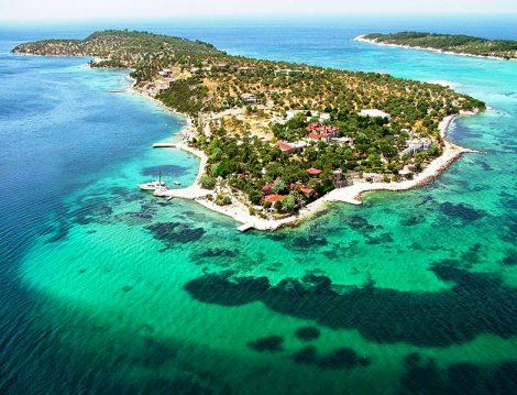 Masmavi Deniziyle Türkiye'nin En Güzel Adalarından Biri Kalem Adası