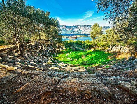 Masmavi Deniziyle Türkiye'nin En Güzel Adalarından Biri Sedir Adası