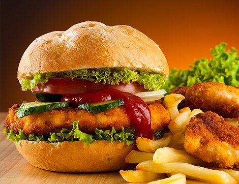 Hafta Sonuna Özel Tavuklu Ev Yapımı Hamburger Tarifi
