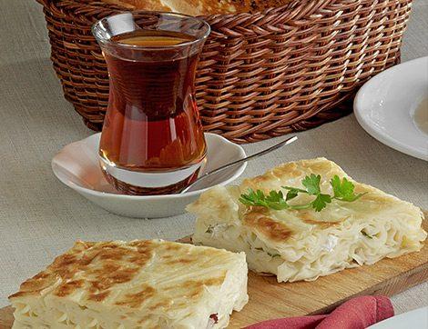 Çay Saati Sofralarının Değişmeyen Lezzeti Börek Tarifleri