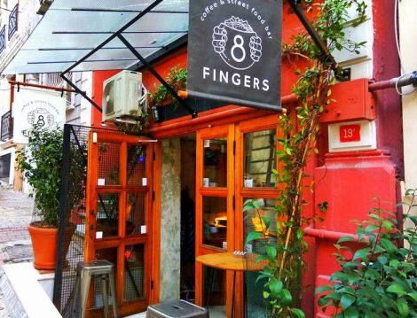 8 Finger Coffee & Street Food