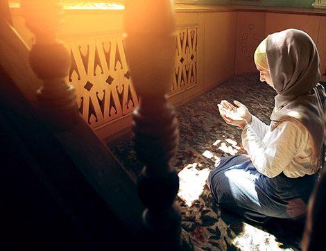 Kadınların Vakit Namazlarını Kılmak İçin Camiye Gitmeleri Caiz mi?