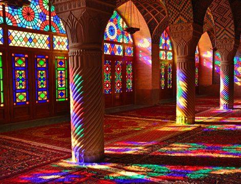 Kadınların Vakit Namazlarını Kılmak İçin Camiye Gitmeleri Caiz mi