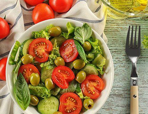 İftar Sofralarında Yemeklere Eşlik Edecek Lezzetli Salata Tarifleri