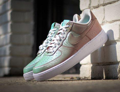 Renk Değiştiren Spor Ayakkabılar