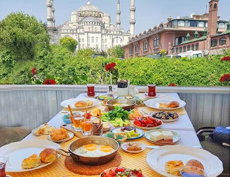 """Sultanahmet'te """"Saade"""" bir Kahvaltı Durağı"""