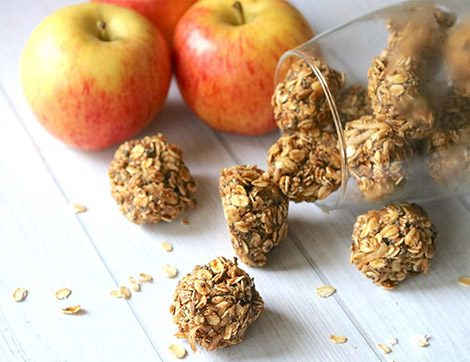 Kolayca Hazırlanan Sağlıklı Lezzet Tarçınlı Elma Topları Tarifi