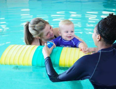 Kadın Hocadan Yüzme Dersi