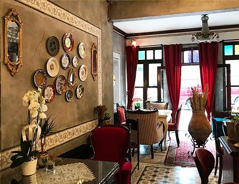 Galata'nın En Sevimli Mekanı Velvet Cafe Şimdi de Balat'ta