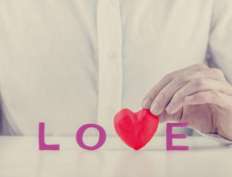 Evlilikte Erkeğin Sevdiğini Söyleyebilmesi