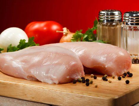 Tavuk Salatası İçin Göğüs Eti