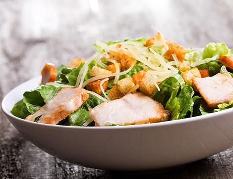Nefis Soslar Eşliğinde 3 Tavuk Salatası Tarifi