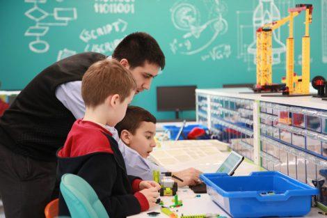 Acıbadem Okulları Robotik Atolyeleri