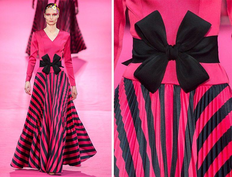 Alexis Mabille 2019 İlkbahar Yaz Couture Koleksiyonu Fiyonk Detaylı Çizgili Elbise Modeli
