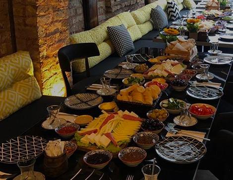 Süleymaniye İftar Mekanlarının Öne Çıkan Adresi: Seyr-i İstanbul Haliç Cafe