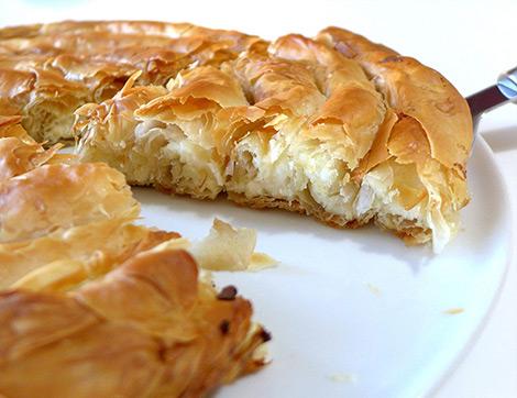 Beş Çayı Sofraları İçin 3 Farklı Şekilde Arnavut Böreği Tarifi