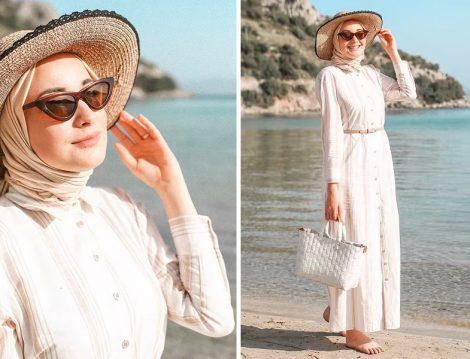 Bej Çizgili Elbise İle Tesettür Sahil Kombinleri