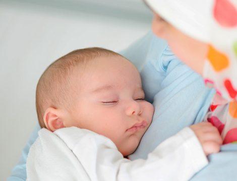 Anne - Bebek Emzirme