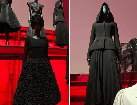 Christian Dior Paris'ten Dünyaya Sergisi - Siyah Pliseli Etek ve Kapüşonlu Cket