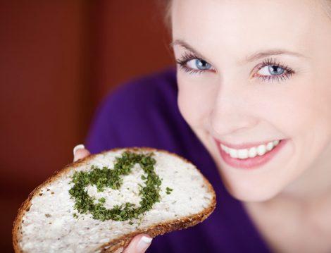 Tam Tahıllı Ekmek Tüketmek