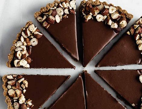 Unsuz ve Yağsız Nefis Çikolatalı Yulaflı Tart Tarifi