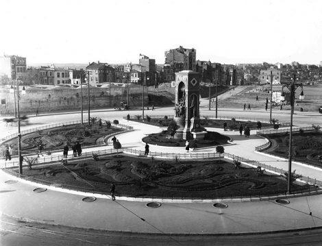İstanbul'un Kalbi, Taksim Meydanı'nın 19. yüzyıldan 1960