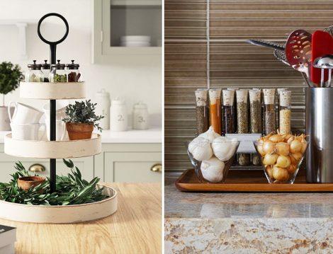 Mutfak Dekorasyonunda Kurabiye Standı ve Tepsi ile Düzenleme
